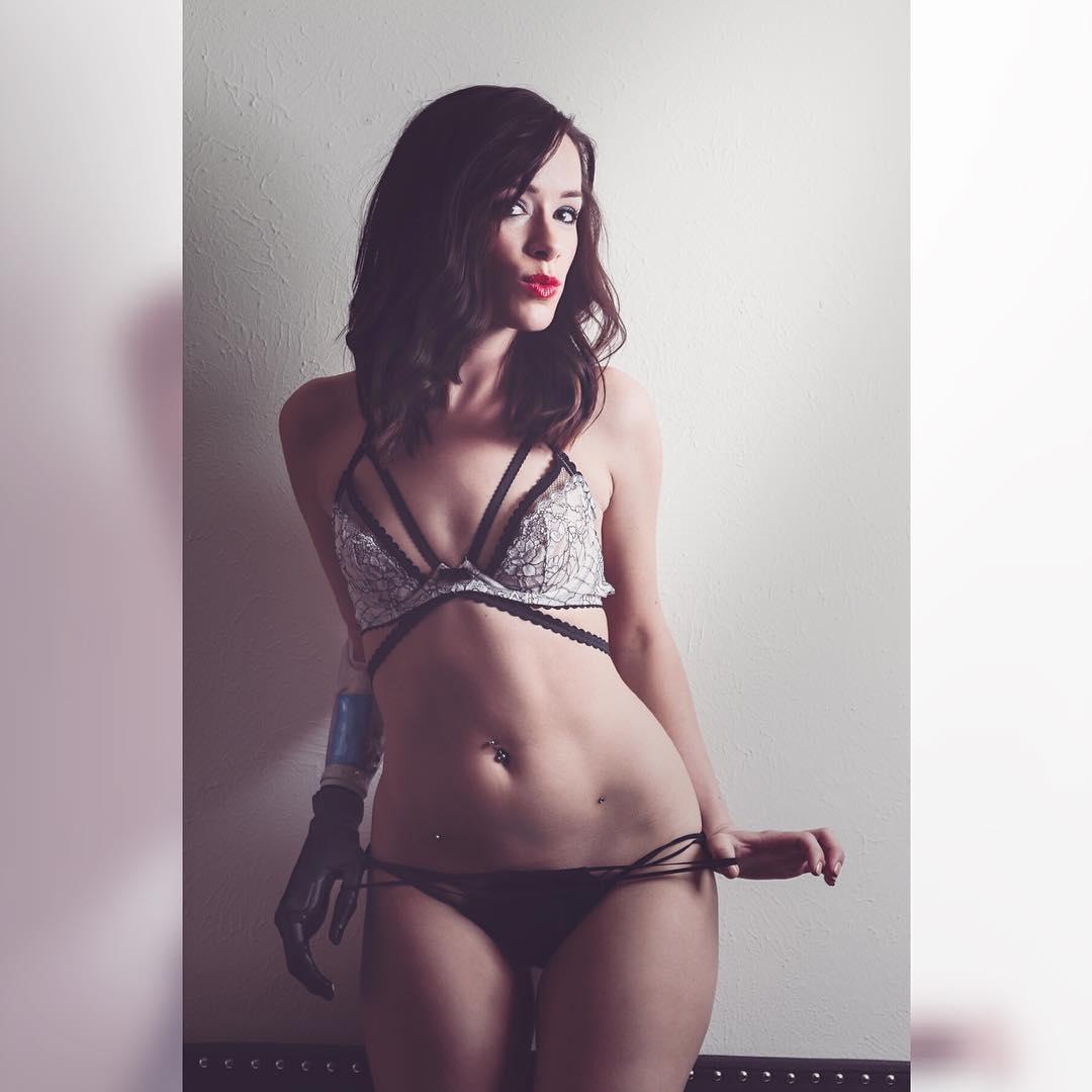 Rebekah Marine Top Model