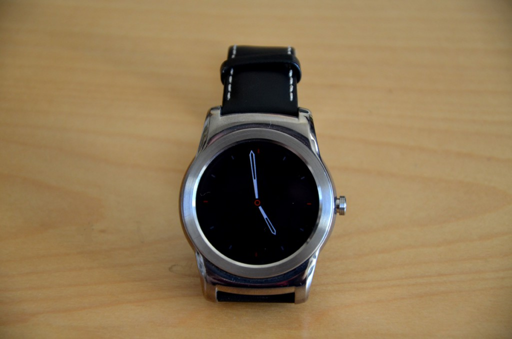 LG-Watch-Urbane-iPhone4