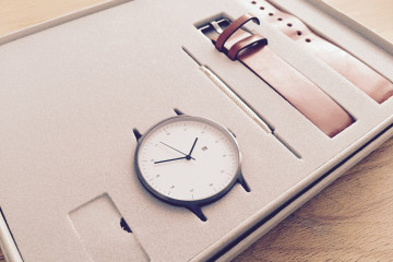instrmnt-watch-packaging