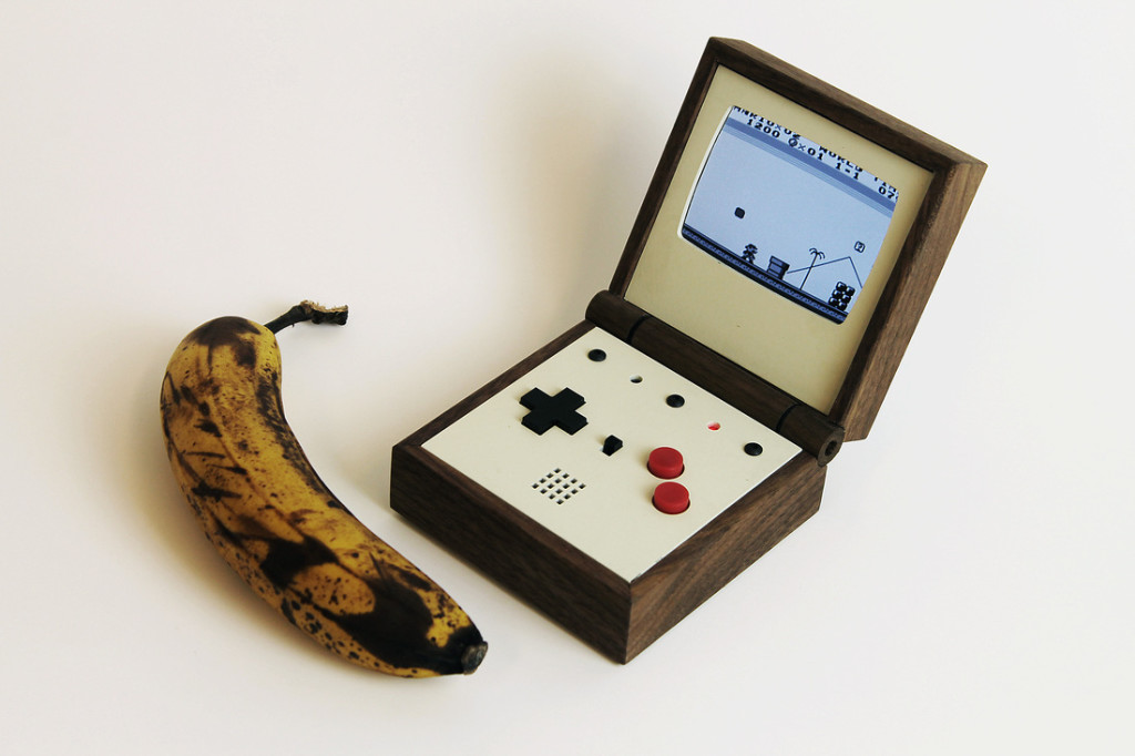 pixel-vision-white-banana
