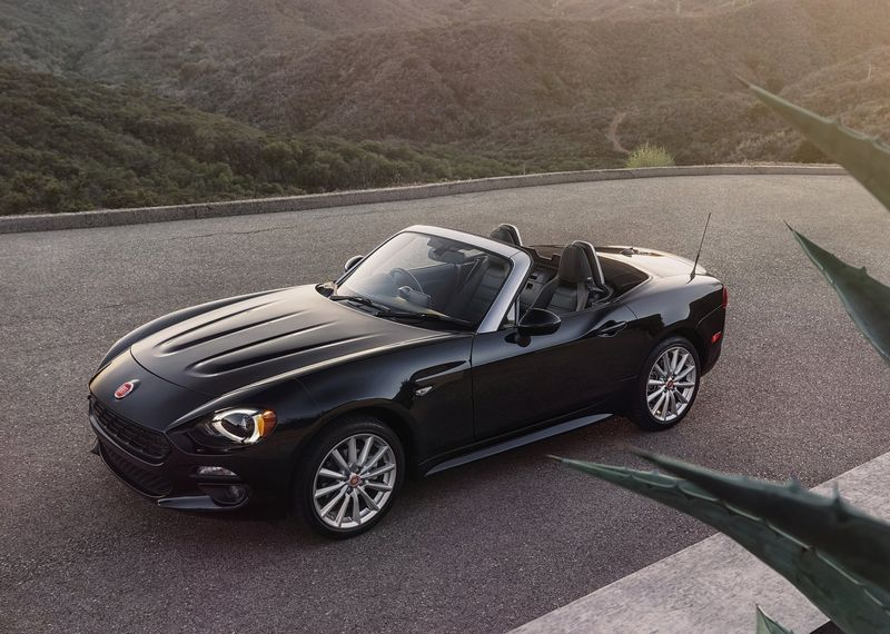 fiat 124 spider 2016 des prix partir de 25 990 euros thm magazine. Black Bedroom Furniture Sets. Home Design Ideas