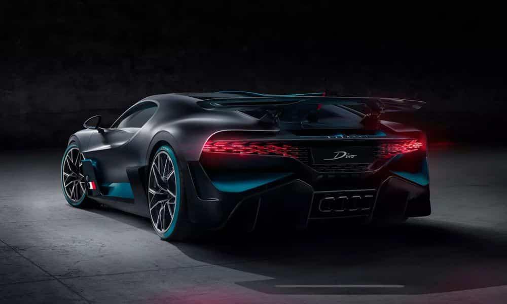 Une vidéo pour inaugurer le bolide — Bugatti Divo