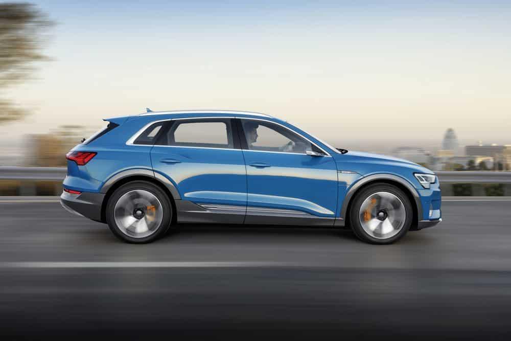 Audi etron 2018 suv electrique côté