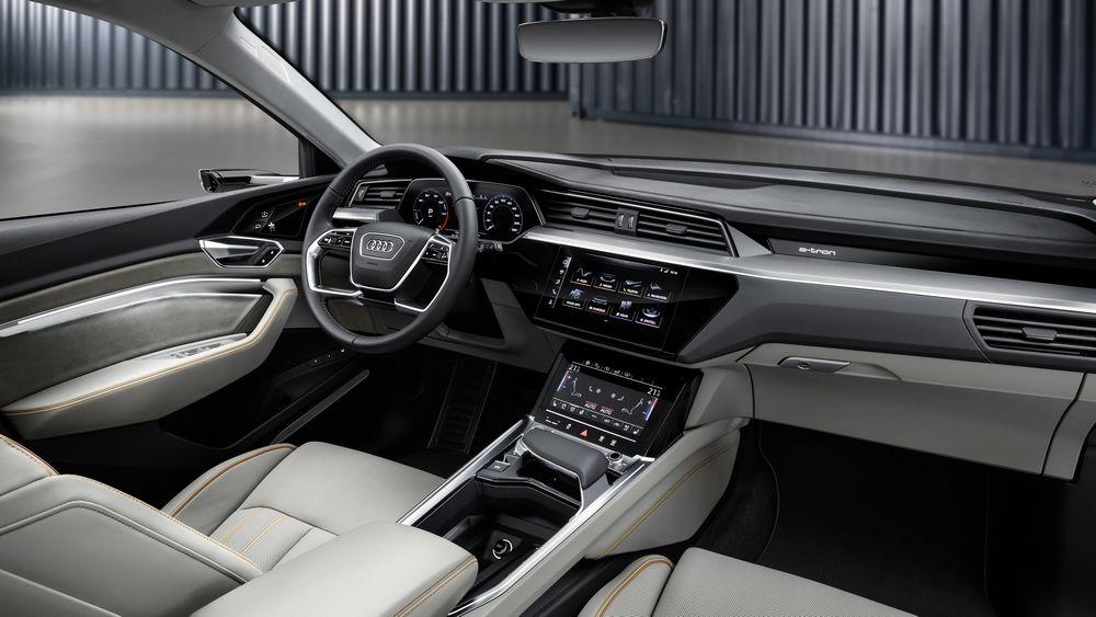 intérieur Audi etron 2018 suv electrique