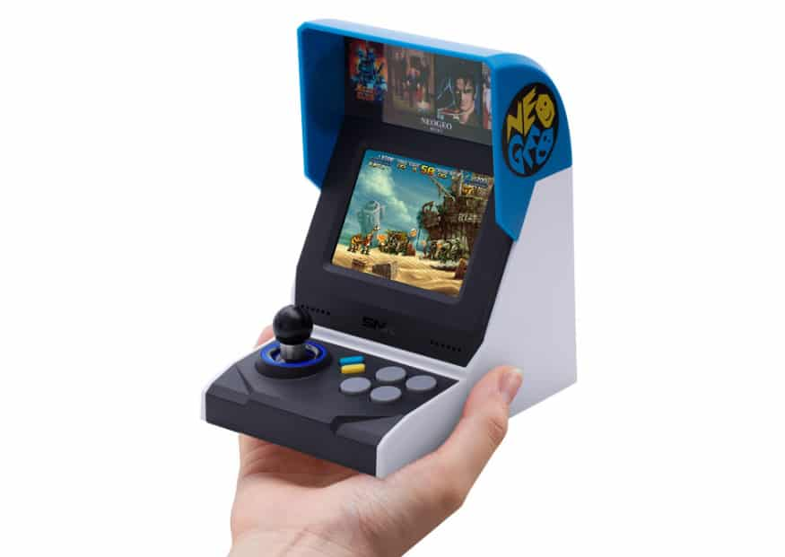 Neo-Geo-Mini-taille-main