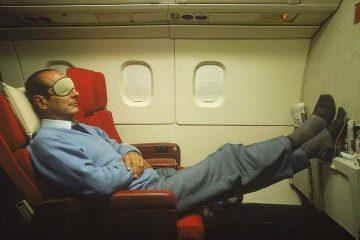 Jacques Chirac qui dort dans un avion