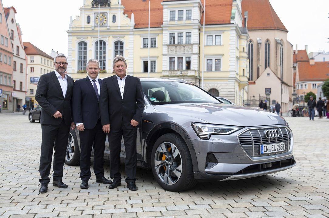 Audi Road to 5G