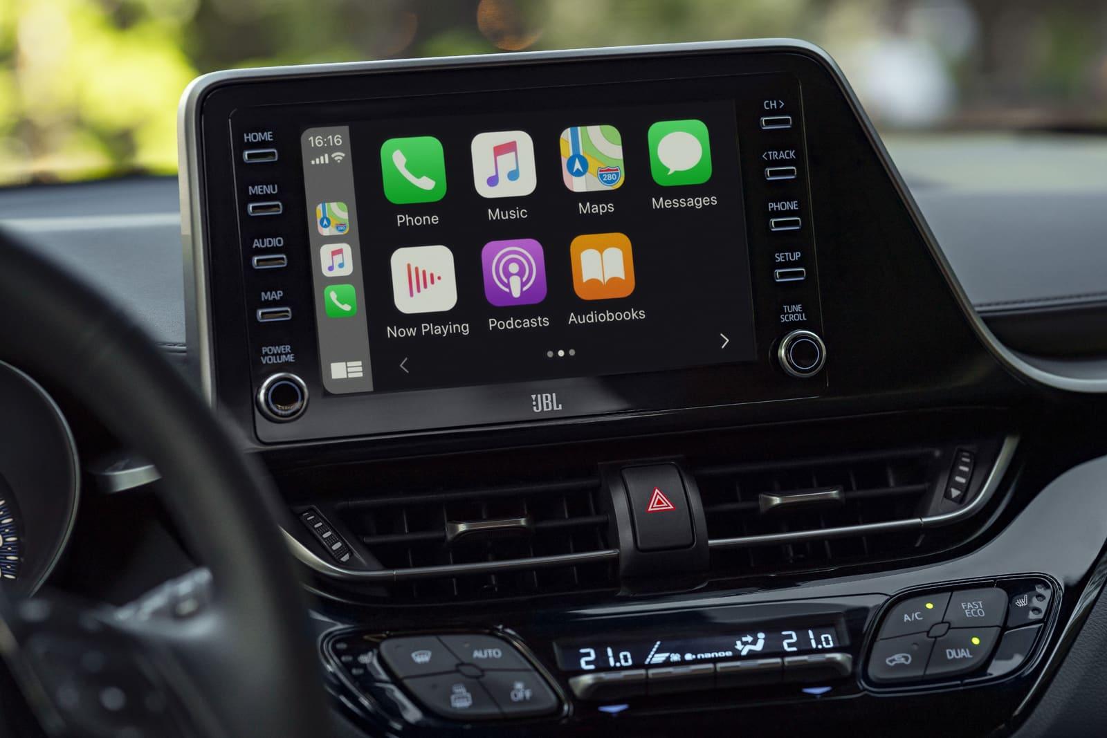 Appel CarPlay dans le nouveau Toyota C-HR hybride 184 ch