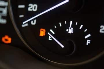Jauge savoir quel côté trappe carburant essence diesel