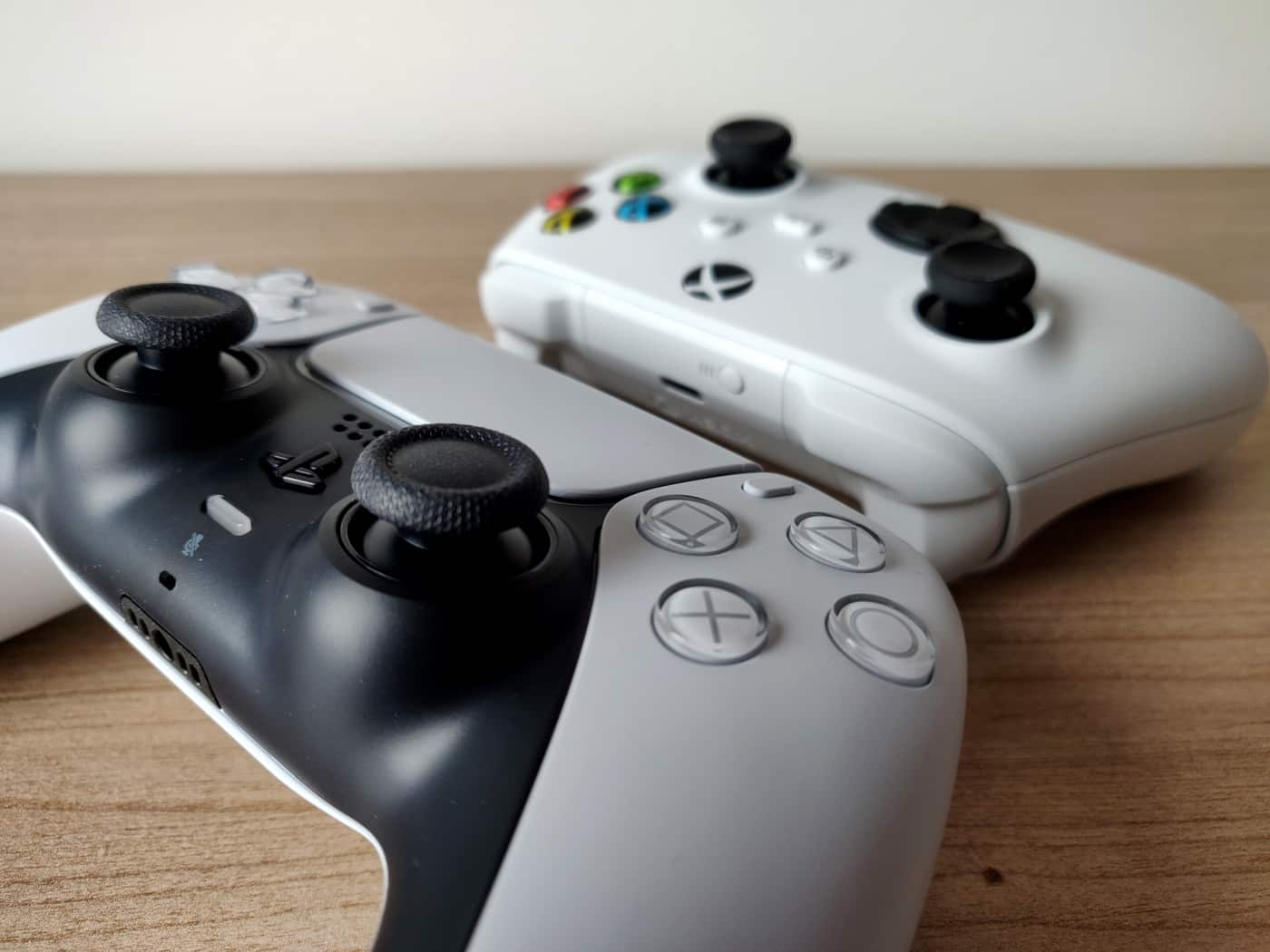 PS5 Digital Xbox Series S